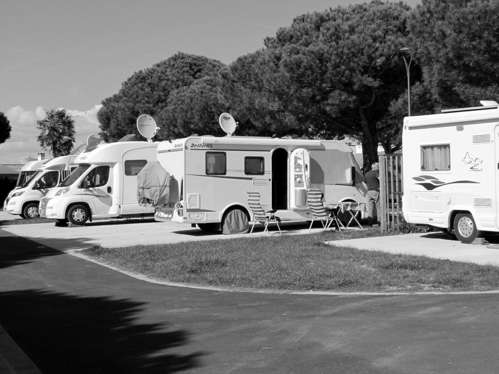 allianz france assure la location de camping cars l 39 assurance en mouvement. Black Bedroom Furniture Sets. Home Design Ideas